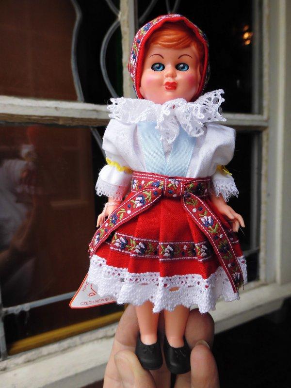 Mes poupées du monde:3