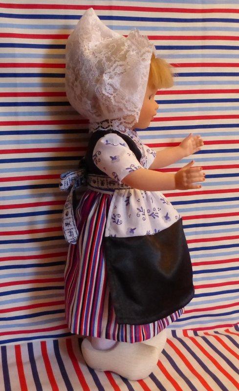Nouvelle Marie-Françoise en costume de Hollandaise