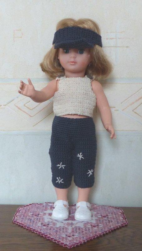 Première tenue pour Marie-Françoise au crochet : Juin