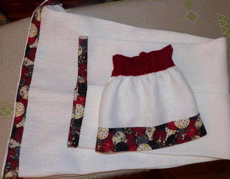 Tenues dans le même  tissu pour maman et poupée
