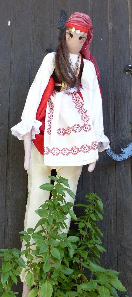 Le costume crétois n'est plus porté dans la vie quotidienne.