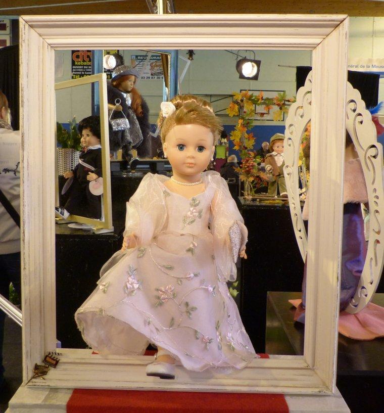 Les huit poupées du festival