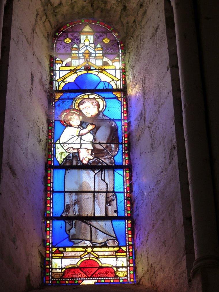 L'église fortifiée d'Ecoyeux