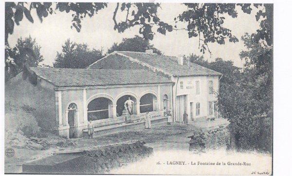 Le village de Lagney ( Meurthe et Moselle ) .