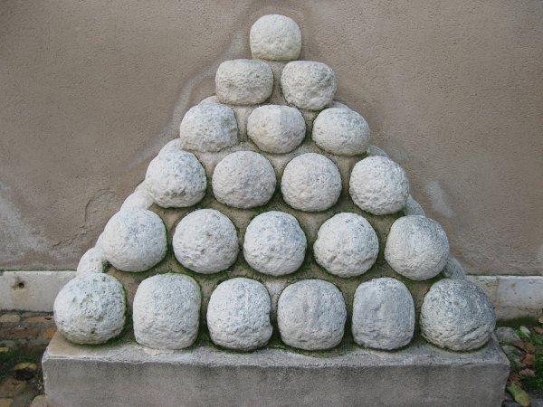 Les  boulets: projectiles de guerre de  nos ainés ...