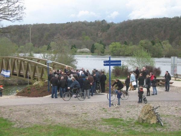 La passerelle de la voie douce de la boucle de la Moselle .