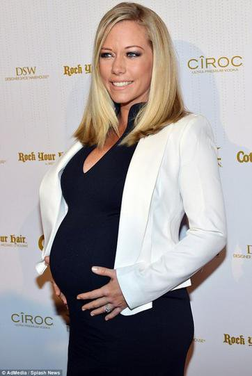 Kendra Wilkinson enceinte de Alijah Baskett
