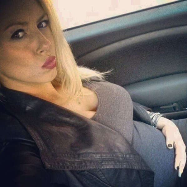 Stephanie Clerbois enceinte de Lyam