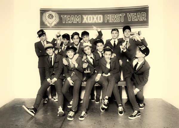 {Fact} EXO Together/Couple
