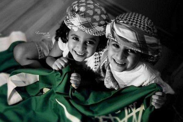 Le Mérite est la seule clé de la Réussite.  * D'après ibn 'Omar, Le Messager d'Allah Sallahi Wa Salam a dit : « Le salut est avant la question, donc celui qui commencera par la question avant de saluer, ne lui répondez pas » . *   iNSH`ALLAH.... L`Islam ; Le soleil de ma Vie . * { ... }