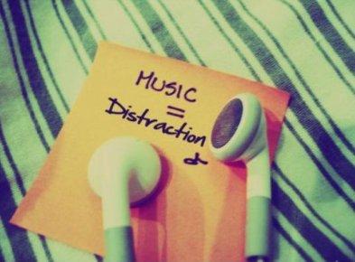 La musique Éloigne de La religion . A écouter  Mes frères et soeur In sha Allah (2012)