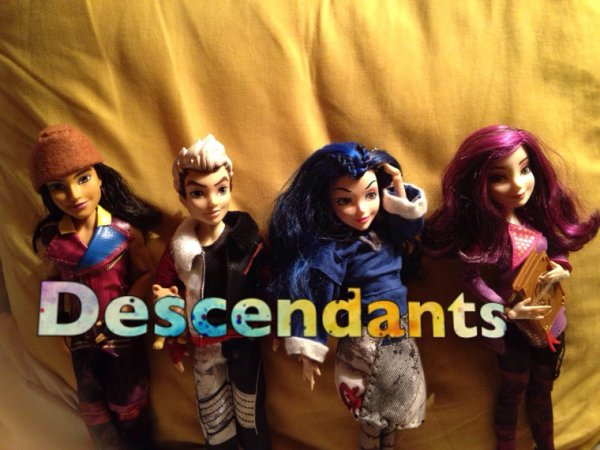 Disney Store Descendants :)