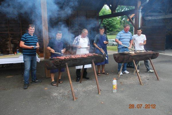 Notre Barbecue Géant pour fêter notre saison 2011/2012 !!!
