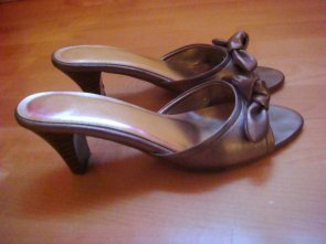 Chaussure doré