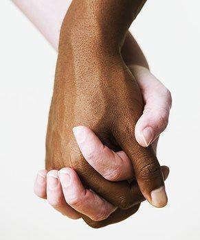 si tes raciste pourquoi tu cherche a bronzer ?!