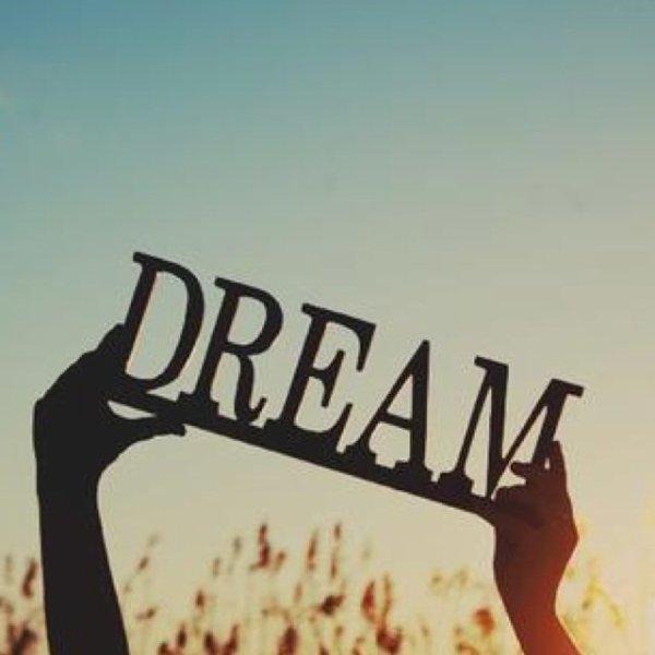 * Fait de ta vie un rêve et de ton rêve une réalité *