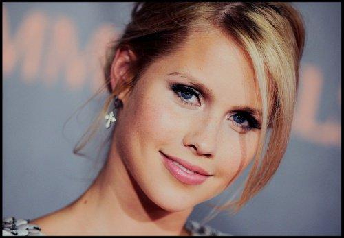 Rebekah Mikaelson (Claire Holt)