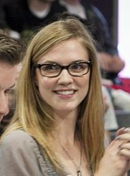 Jenna Sommers(Sara Canning)