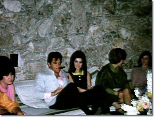 Elvis et Priscilla 1967  à la veille de leur mariage