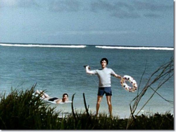 Priscilla and Elvis Presley on holiday, Hawaii may 1968