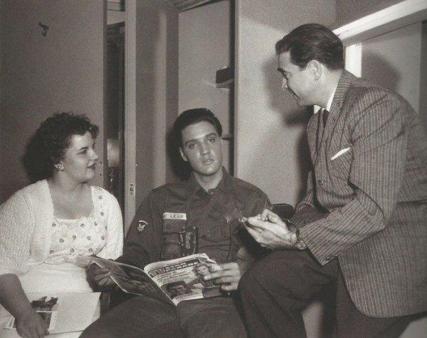 25-26 Mai 1960  Elvis et Jean Allen gagnante du concours  TV Star Parade Magazine  1
