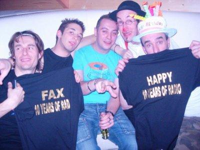 happy et fax les cousins de contact