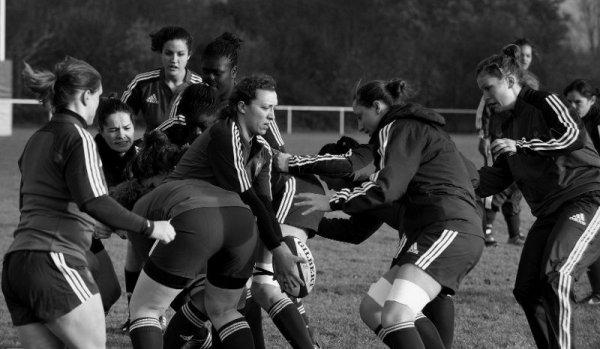 """""""Ce n'est pas parce qu'il est violent que j'aime le rugby. C'est parce qu'il est intelligent."""" Françoise Sagan"""