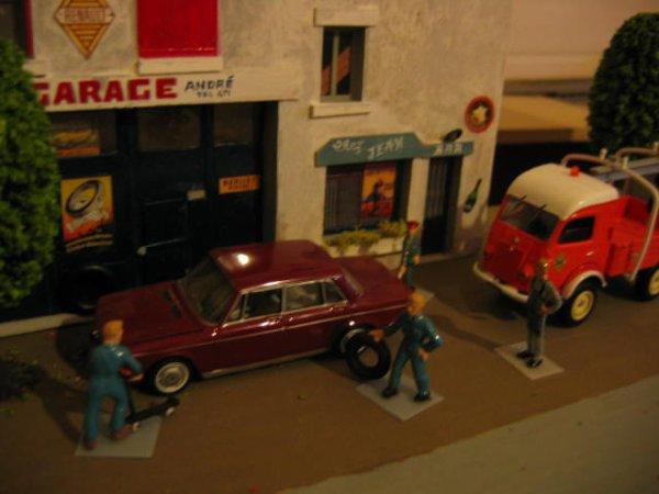 Chez André le garagiste et Jean le Barman... scène 2