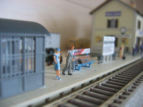 En attendant le train en gare de château-Vaillant...