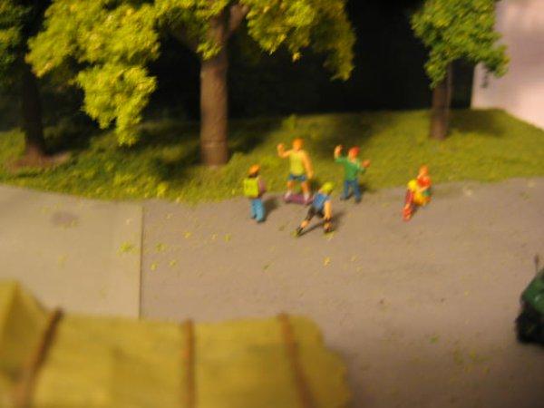 Attention les enfants ! C'est dangereux de jouer à proximité d'une zone de chargement !