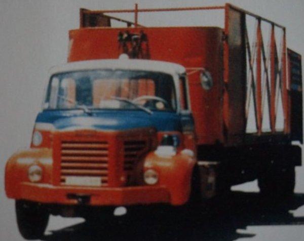 Le tracteur de marque Berliet :