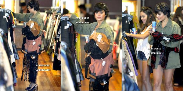 -  09/08/11 : Vanessa faisait du shopping à Hollywood avec sa petite soeur Stella ! TOP ou FLOP ?-