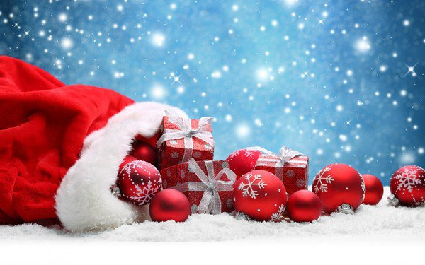 Un petit tour pour vous souhaiter à toutes et tous de très belles fetes de fin d'année