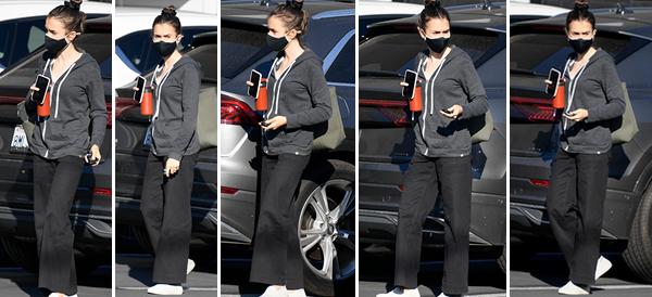 13 Octobre 2020 : Lily a été photographiée alors qu'elle descendait de sa voiture, surement pour se rendre à la salle de sport à Los Angeles.