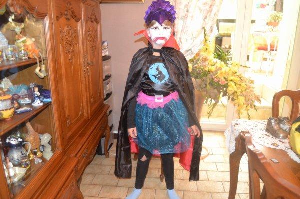 ma petite fille camille fait halloween