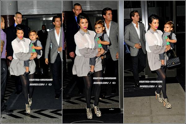 04.10.11 :Kourtney a été vue rentrant dans son hôtel avec son adorable fils. Côté tenue: elle a porté il y'a quelques jours la même tenue. Je garde mon avis: BOF! Et toi, ton avis? .