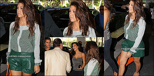 01.11.12 :Kourtney, Scott et Kim ont été photographié à Bal Harbour à Miami.   .