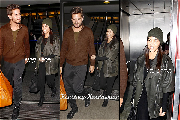 . 01/12/13 :  Kourtney et Scott main dans la main à l'aéroport LAX de Los Angeles. .