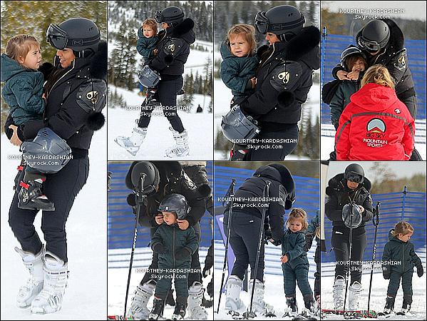 . 25/02/2015 : La petite famille à été vue faisant du ski, toujours dans une station de ski dans le Montana. Mason était tout heureux, Penny elle semblait un peu moins rassurée. Ces clichès montrent un petit bonheur partagé en famille ! On craque. .