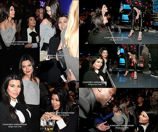 CANDID |  EVENT | SHOOTING | INSTAGRAM | EMISSION | AUTRES    14/03/15 : Kourtney et Kendall au «  The Comedy Central Roast Of Justin Bieber  » au Studio Sony de L.A.Ca fait bien plaisir de voir ces deux là réuni, elles se sont bien amuser ensemble ou encore avec Justin Bieber et Jaden Smith.