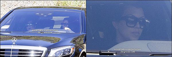 CANDID | EVENT | SHOOTING | INSTAGRAM | EMISSION | AUTRES   08/04/15 : Kourtney et sa mère Kris ont été réperée arrivant à la nouvelle maison de Bruce à Malibu. Malheureusement elles ont été aperçue que très brièvement dans leur voiture, par un paparazzi. D'où le très peu de photos.