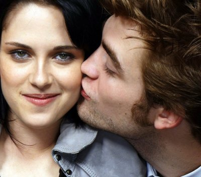 Robert pattinson and Kristen stewart intimate new year's eve to gether .