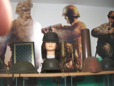 mon casque a pointe model 1915 complet manque juste la jugulaire (prix d'achats 371¤ acheté a un amie en plusieur payement)