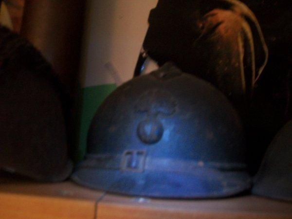beau casque adrian de poilue complet (prix d'achat 30¤ vide grenier )