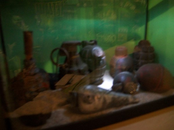 mon aquarium plein de grenade de different model epoque est pays