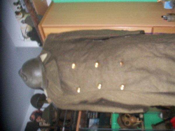 mon 2eme manequin ( a vendre la capote les chemise les guetre et les ranger mes le casque nes pas a vendre