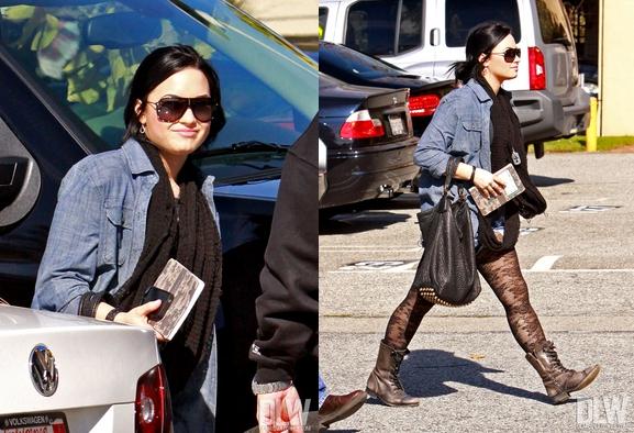 Le 1 Février 2011, Demi étais à la clinique « A New Journey » pour sont traitement, à Los Angeles