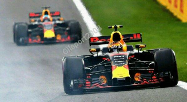 Formule 1 : Verstappen signe le meilleur temps pour les premiers essais libre.