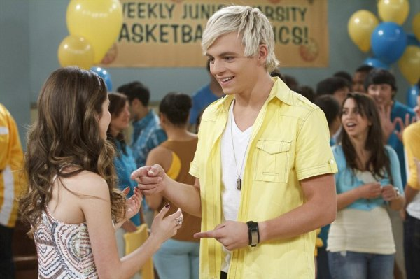 Austin & Ally: 'Hunks & Homecoming'
