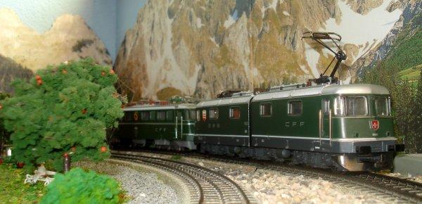 Les locomotives Ae 6/6 11414 (3050) de Märklin